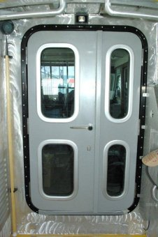 Yacht doors series 24 double leaf execution without middle bar section