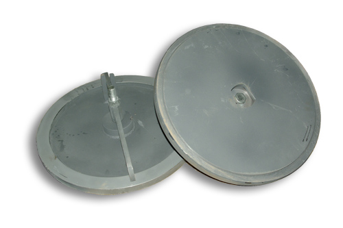 Manhole with centre bolt clear opening 470mm outside flange diameter 560mm.  sc 1 st  thormarine & Manholes manhole covers in steel Stainless steel aluminium