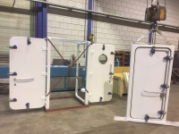 central closed steel watertight quick pin doors