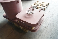 Watertight hatch with handwheel - front